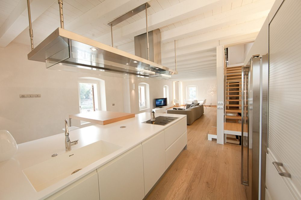 cucina a vista attico
